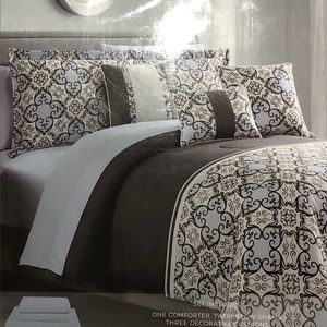 Brand new 10 pieces Queen comforter set